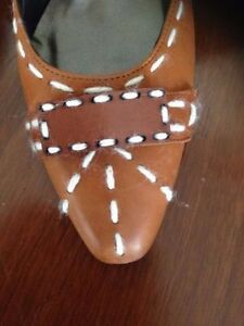 Italian Designer Isabella Fiore shoes. size 11..Made in Italy