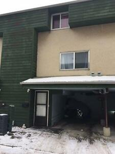 Investment Opportunity!! 3 Bdrm Townhouse w LOW Condo Fees!!