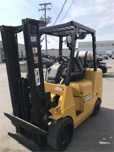 Chariot elevateur 2012 , Forklift 8000 Lbs en tres bonne etat