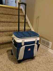 Rolling Cooler with extendable handle  Kitchener / Waterloo Kitchener Area image 4