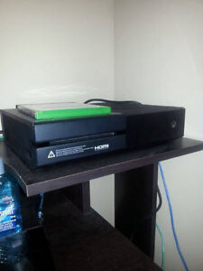 Xbox one Brand new - 280 obo need gone