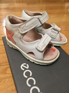 BRAND NEW ECCO sandals for a girl size 22