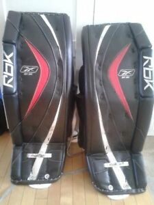 "35"" RBK 8k Goalie Pads - Must sell ASAP"