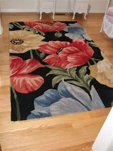 FABULOUS  UNIQUE  FLORAL  RUG !! ----  REDUCED !!! Kitchener / Waterloo Kitchener Area image 1
