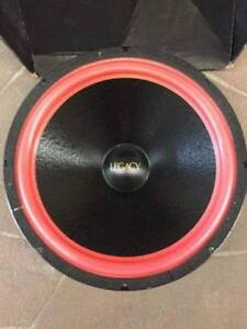 rare one of a kind 18 inch pyramid legacy subwoofer pair