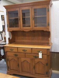 Roxton Maple Sideboard with Hutch