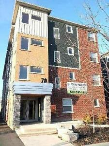 5 Bedroom Ensuite Units Close to Laurier