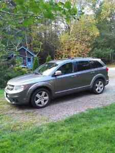 R/T fully loaded All Wheel Drive, Leather Seating, heated seats,
