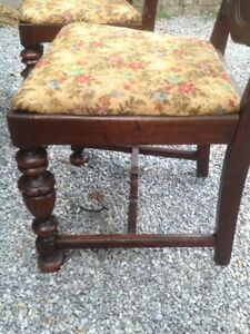 Solid Thick Wood Dining Set Kitchen Table Chairs Antique Carved Oakville / Halton Region Toronto (GTA) image 5