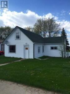 3 Bedroom house, 1/2 acre property for SALE