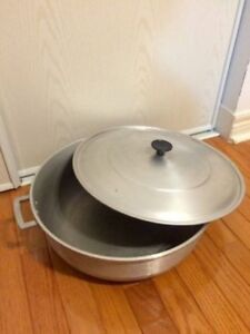 Jumbo Party Size Pot with Lid