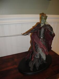 STATUE LORD OF THE RINGS SEIGNEUR DES ANNEAUX KING OF THE DEAD