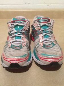 Women's Saucony Triumph 8 Running Shoes Size 9.5 London Ontario image 5