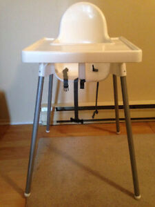 High Chair: With Tray & Straps