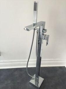 Robinet autoportant bain freestanding bath baignoires