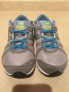 Women's New Balance 690 Running Shoes Size 8.5 London Ontario image 4