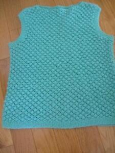 HAND-CRAFTED SOFT GREEN ROUND-NECKED SLEEVELESS VEST