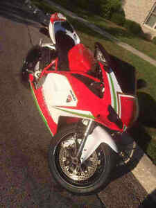 2008 Ducati 848 ****ONLY 14,000 KM ****PRICED TO SELL + SAFETIED