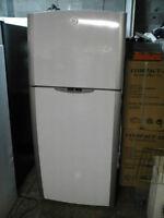 Réfrigérateur 18 pi cu de marque GE $275 Négo