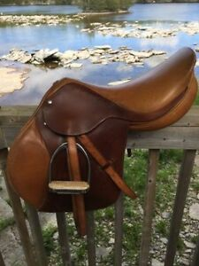 Jumping All Purpose Saddle Zaldi Star 17 inch
