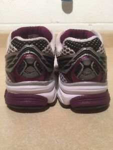 Women's Saucony Guide 5 Running Shoes 7 London Ontario image 6