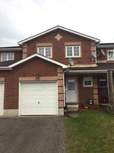 3 Bdrm House For Rent In Barrie - Bayfield St / Livingstone St E