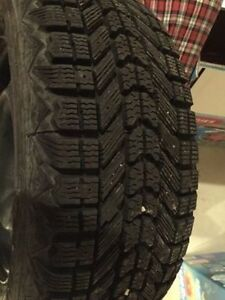 new set of Tires and rim size  205/60/15  the rims is 4 bolt London Ontario image 3
