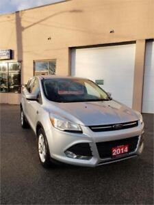 2014 Ford Escape SE- LOW KM!! **NEW YEAR SALE**
