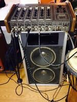 Traynor 6400 mixer amp and traynor spekers,mics, stands and cord