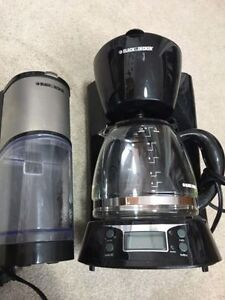 Black & decker programmable coffee maker and coffee grinder