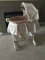 Baby Bassinet (very cheap)