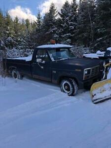 1986 F150 6 CYL Standard with 7 - 1/2  foot plow