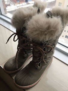 Brand-new Sorel Shoes For Sale!!!