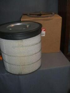 """Fleetguard Air Filter Part # AF25668 Size: 16.85""""X8.26"""" NEW"""