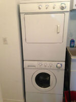 4yr old Stackable washer(electric)Dryer(Gas) combo Kenmore 27'