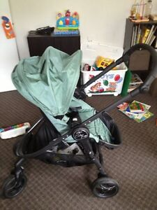 City Versa Stroller in Excellent Condition
