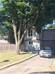 WHY RENT? OWN A FREEHOLD TOWNHOUSE FOR ONLY $ 389900 IN BRAMPTON