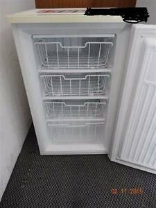 BARGAIN RankArena BAR FREEZER FOR SALE $120 ONO Cooloola Cove Gympie Area Preview