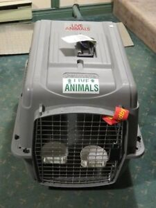 Nearly New Petmate Dog Crate