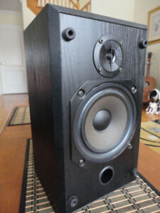 B&W V201(200 series)Pro Studio speaker for sale(just a one!!!)