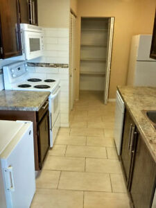 (2323 119 St NW Edmonton AB) Two Bedroom for Rent