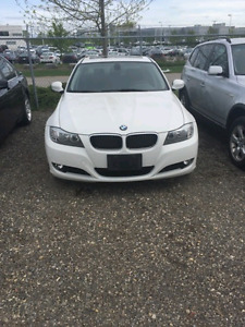 Selling 2011 BMW 323i safetied & etested