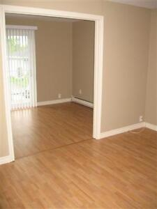 Very Nice 2 Bed Apt, July 1st, Mapleton Rd, All Inclusive!!
