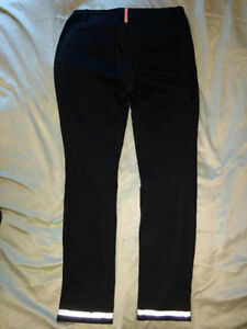 Size 6 Black lululemon pants W/Reflective ankle cuffs! W0W!