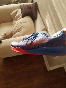 Nike Kobe Mentality II Men's basketball shoes
