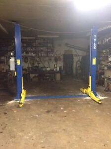 Atlas Automotive 2 Post Hoist / Lift