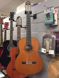 Guitare classique Yamaha 109.95$