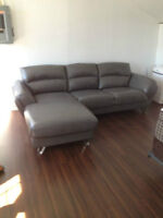 GRAY BONDED LEATHER SECTIONAL LIKE NEW CONDITION