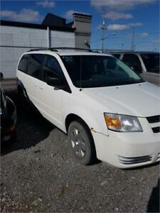 2008 Dodge Grand Caravan SE WAS USED FOR A DRYWALLER LITTLE MESS