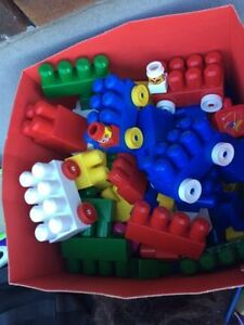lego grand blocks, comme neuf,